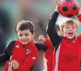 scuola-calcio-milan-porte-aperte-al-palauno-per-i-futuri-pulcini-rossoneri-0_4105--400x320