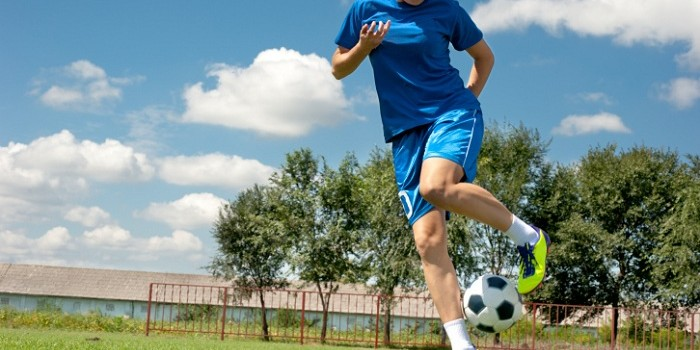 donna_gioca_calcio