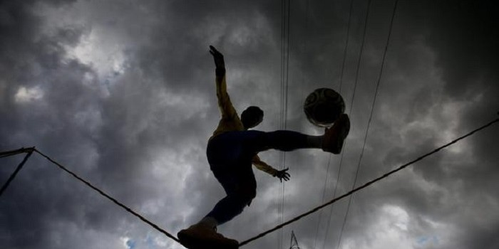 Circus artist will perform in the streets of Sao Paulo