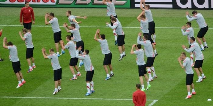 Polish national football team jump as th
