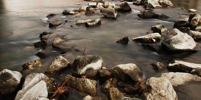 Sassi-sul-fiume-a19251064