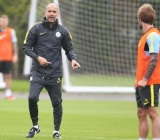 web-pep-guardiola-in-training-a19u3129